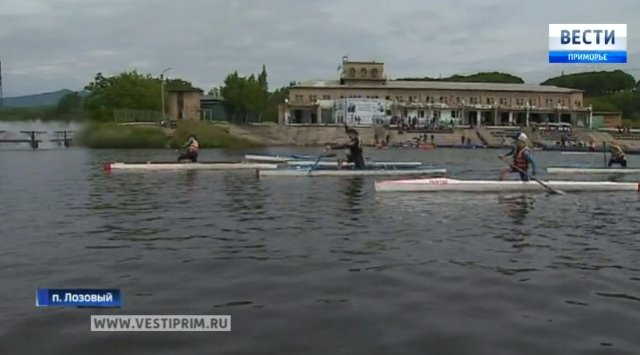 About 150 athletes took part in the Primorye Territory Rowing Championship.